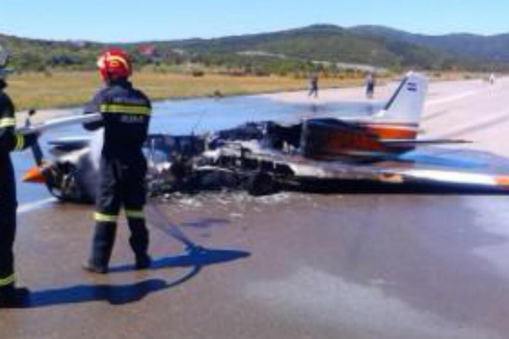 Rijeka Zapalio Se Sportski Avion Cetvoro Povrijeđenih