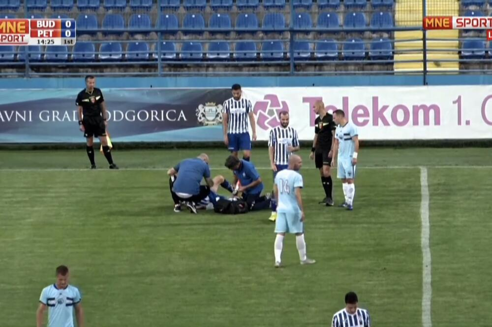 15. minut meča Budućnost-Petrovac: Abdić ukazuje pomoć Pešukiću, Foto: Screenshot/MNE sport