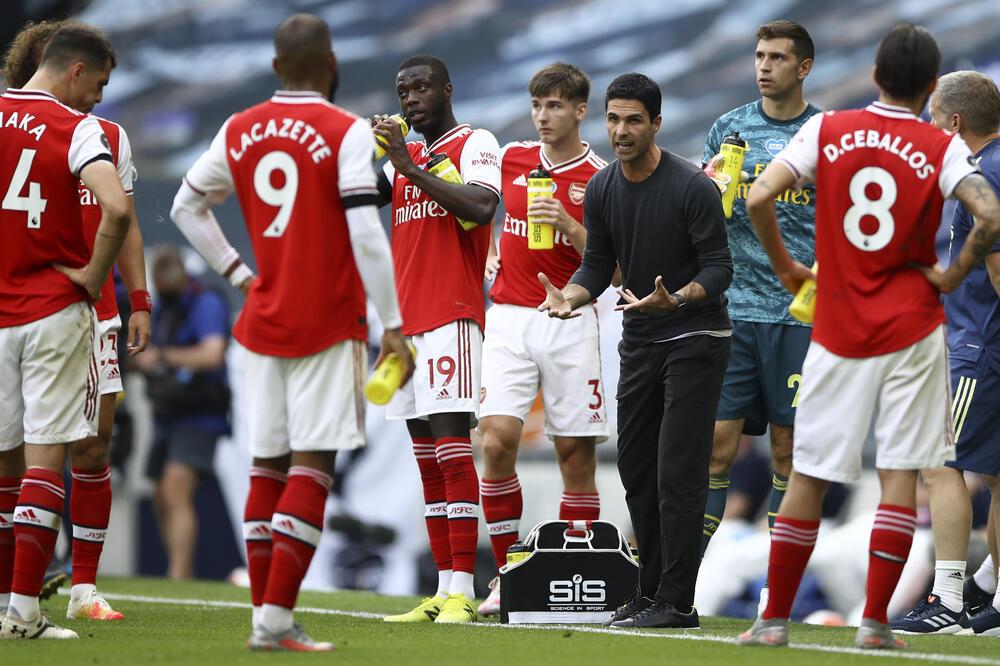 Arteta sa fudbalerima Arsenala