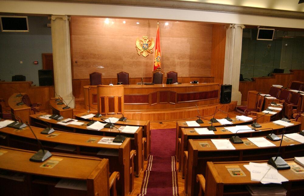 Zakonodavni odbor u ponedjeljak o budžetu i zaduživanju