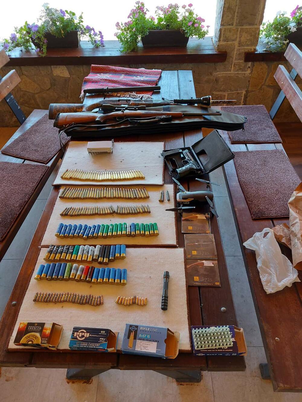 Pronađena i veća količina municije i eksploziv