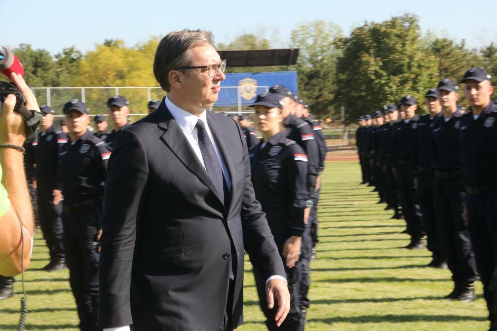 Vučić: Đukanović jedva zna gdje se nalazi Beograd na vodi