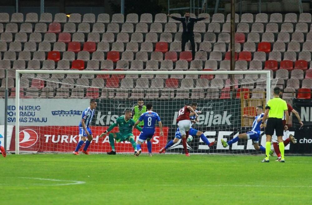 """UŽIVO Sarajevo - Budućnost 1:0: Španac """"oprostio"""" crveni karton..."""