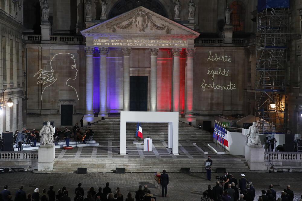 Francuska odala poštu Patiju