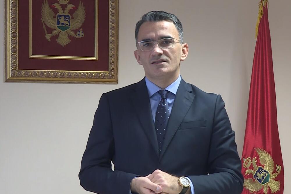Лепосавић: Немам право да поднесем оставку, обављаћу дужност док ми Скупштина даје повјерење