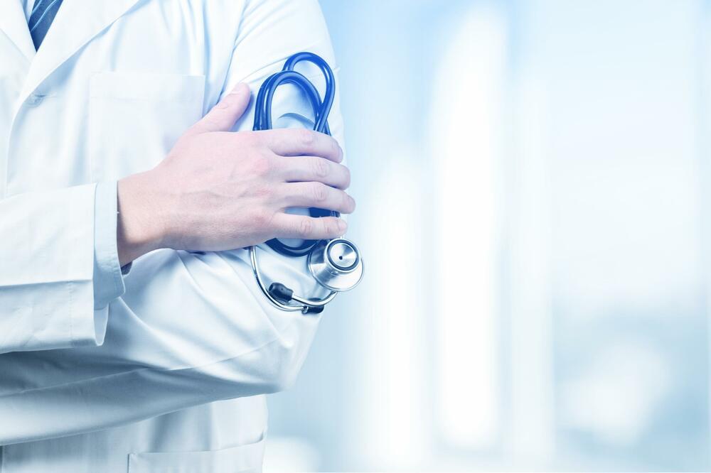 NAJVIŠE BODOVA NA KONKURSU I VISOK PROSJEK NISU GARANCIJA Specijalizacije sa gorkim ukusom diskriminacije: Napredovanje doktora medicine u sjenci nepotizma i politike