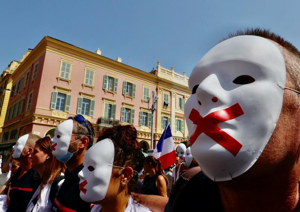 Protest antivaksera u Nici