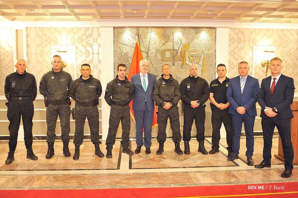 Krivokapić i pripadnici bezbjednosnog sektora kojima se zahvalio u Vili Gorica